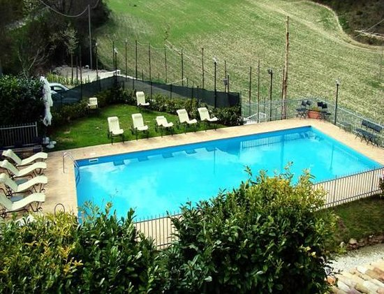 Selvicolle Country House: piscina dalla mia camera