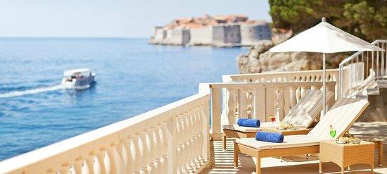 Grand Villa Argentina: Hotel beach