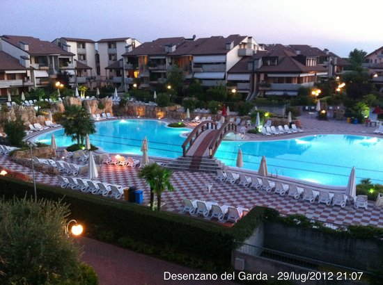 Green Residence Sirmione: Piscina 3 fronte lago