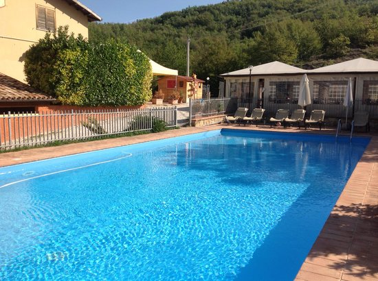 Selvicolle Country House : piscina3