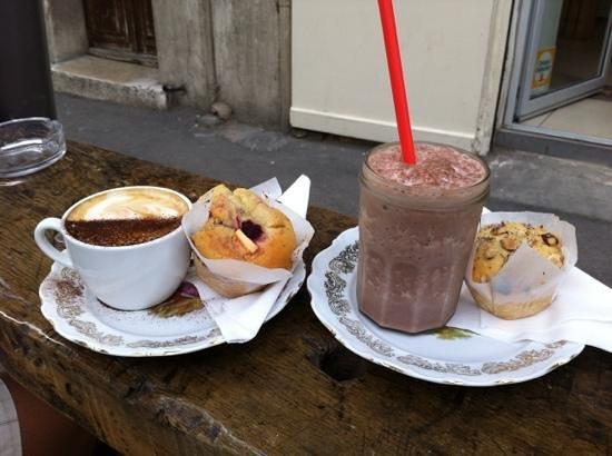 Coogee : cappucino et ice chocolat avec 2 muffins