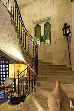 Grand Escalier Photo De Le Mas D Entremont Aix En