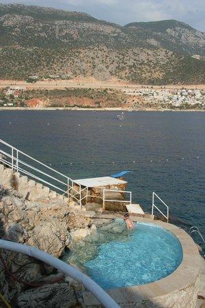 Caretta Boutique Hotel: piscine & mer
