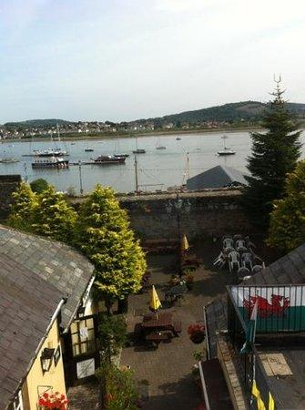George & Dragon: Conwy quay view
