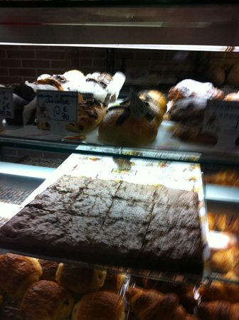 My Hotel in France le Marais by HappyCulture : dolci tipici boulangerie