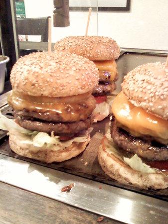 Kokopelli : 肉汁たっぷりのハンバーガーです。