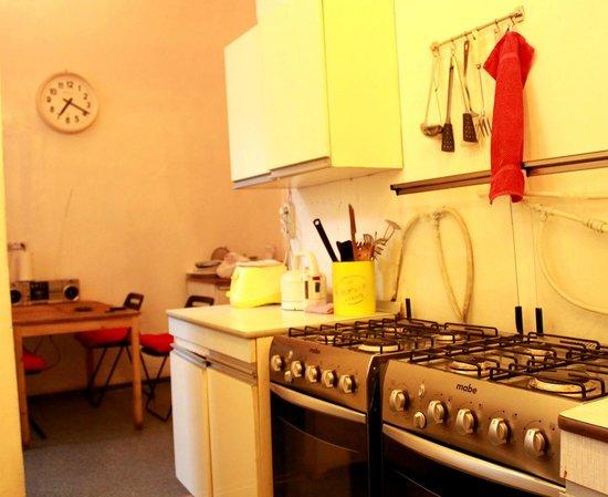 Right on Nevsk Hostel: Kitchen