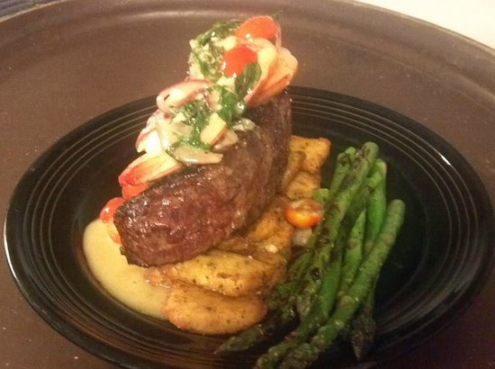 Portside Grill: Scampi sirloin...one of our dinner specials