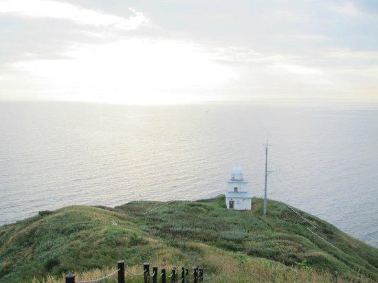 Peshi Misaki Observatory: ペシ岬からの朝日(曇ってます)