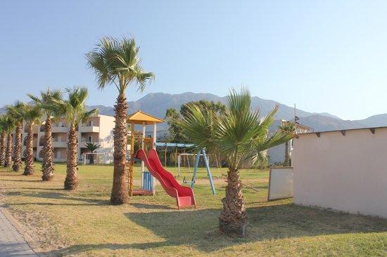 Hotel Delfina Beach: jeux enfants