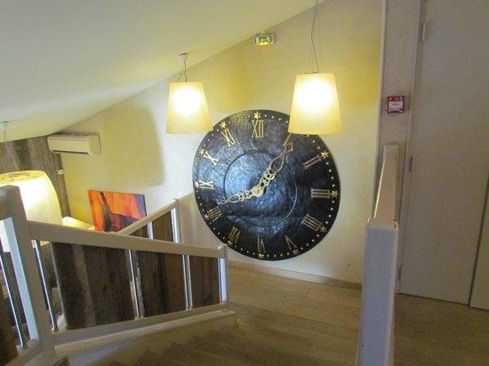 Ibis Styles Cholet : Vue du haut de l'escalier
