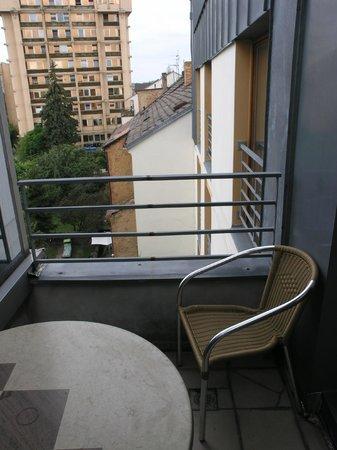 Hotel Troja: наш балкончик