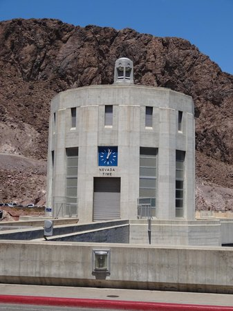 All Las Vegas Tours Inc.: Intake tower at the dam