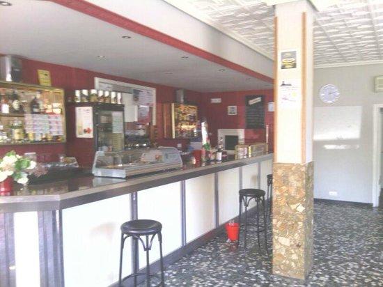 Bar El Castillo: La barra del bar.