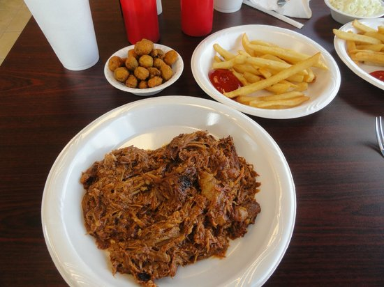 Castaway Grill: Barbecue plate