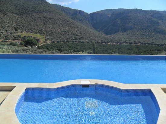 Natureland Efes Pension: the infinity pool