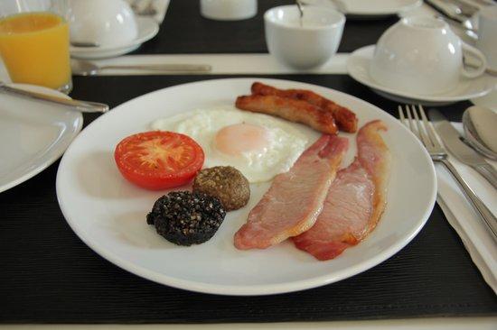 Augherea Guest House: Breakfast