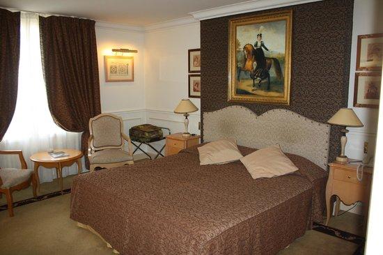 Hotel Lotti Paris: habitación.