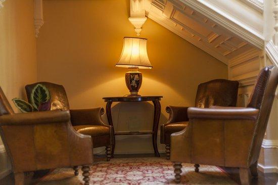 Craigsanquhar House Hotel: Understair Lounge