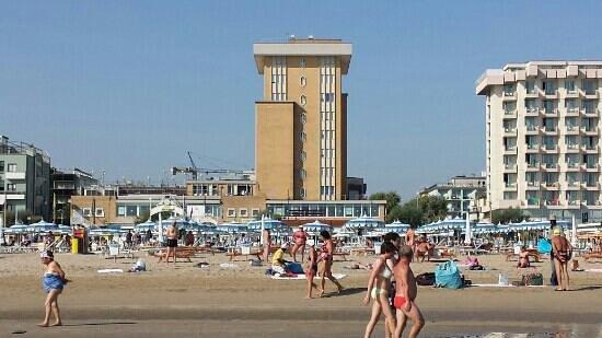 Hotel Golden: Golden visto dal mare