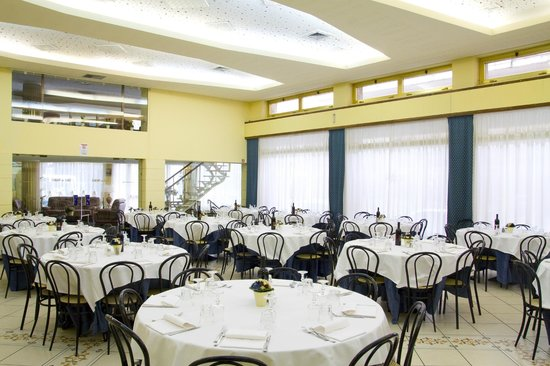 Hotel Terme Pellegrini: dining room