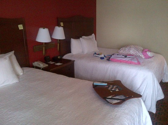 Hampton Inn Erie-South: Room Pic's - standard 2 queen bed