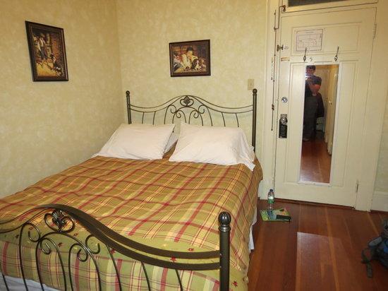 Auberge la Seigneurie : Our room Théo