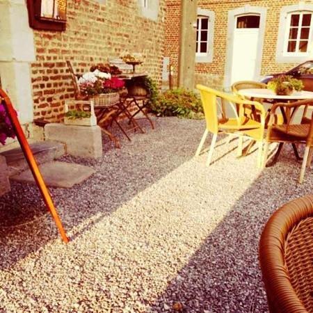 Een gezellig terras op de binnenplaats foto van afspanning de swaen 39 s gravenvoeren tripadvisor - Foto sluit een overdekt terras ...
