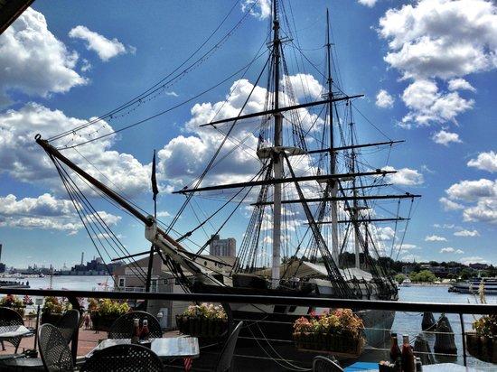 Renaissance Baltimore Harborplace Hotel: USS Constellation