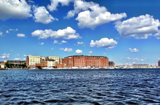 Renaissance Baltimore Harborplace Hotel: Waterfront view from Water Taxi