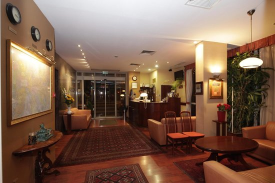 Hotel Charles: Lobby