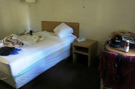 E-Z 8 Motel : Zimmer sind Basic, aber fuer diesen Preis in Ordnung