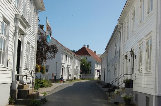 The Dutch Town: White houses are dominant in the dutch part of town