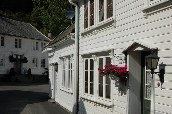 The Dutch Town: New houses- old style
