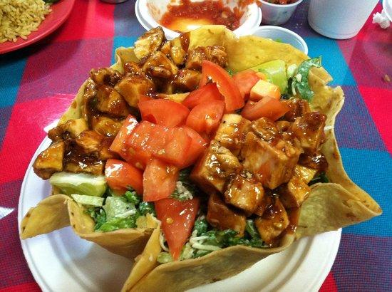 Amigos Cafe Y Cantina: Fabulous: BBQ Chix Taco Salad