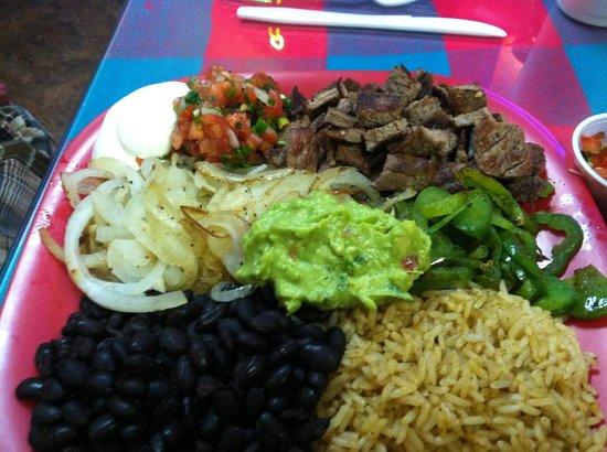 Amigos Cafe Y Cantina: Yummy: Fajitas