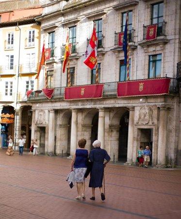 La Morada del Cid: Burgos main square