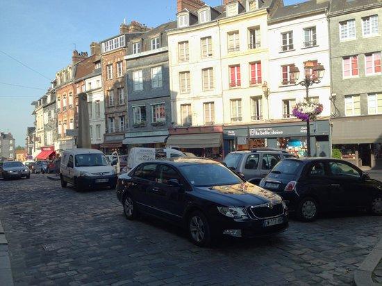 Hotel du Dauphin: Rua do Hotel