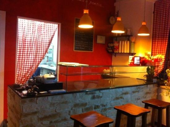 Pizzeria del Cavalcavia : la pizza è fantasia, la pizza è allegria, la pizza è poesia