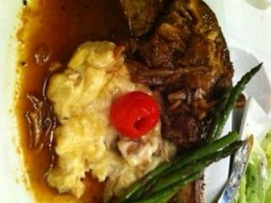 Vue on 30A : Veal with Truffle Garlic Potatoes and Asparagus