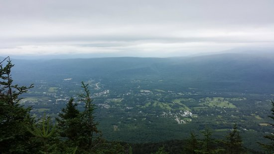 Mount Equinox : view of manchester valley 4m lookout point