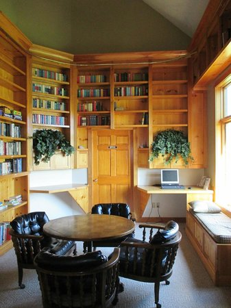 Hidden Ridge RV Resort: Light reading is a great way to clear the head during a vacation