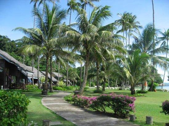 Nirwana Gardens Mayang Sari Beach Resort : 静かな敷地