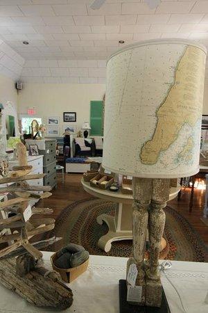 Cottage Decor: Driftwood treasures
