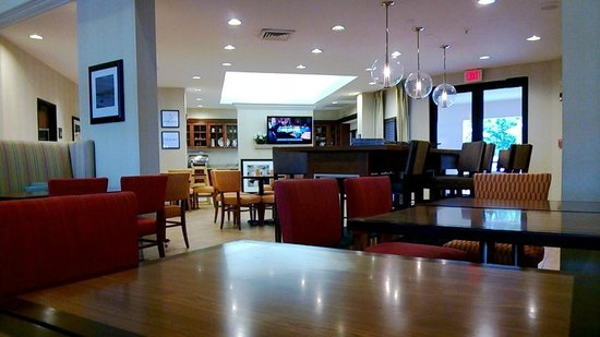 Hampton Inn & Suites Miami-Doral/Dolphin Mall: Breakfast area