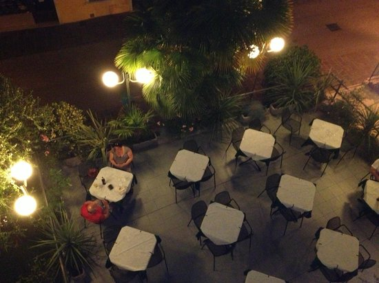 Hotel Vittoria : The hotel terrace at night from above