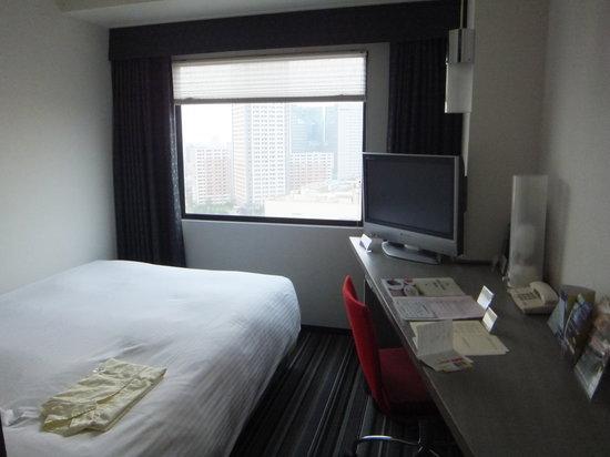 Kawasaki Nikko Hotel: ダブルサイズのベッドでゆったり