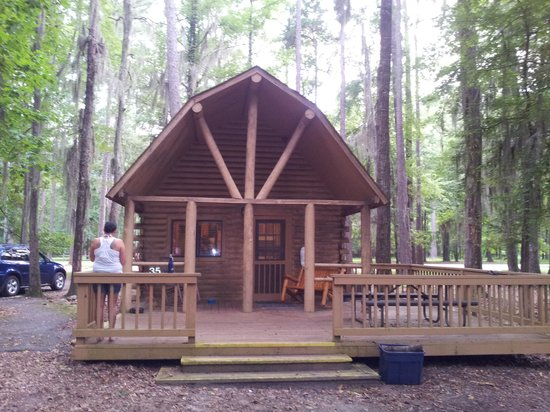 Uchee Creek Army Campground and Marina: large cabin