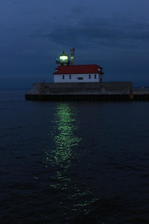 Great Lakes Aquarium: Lighthouse at the entrance