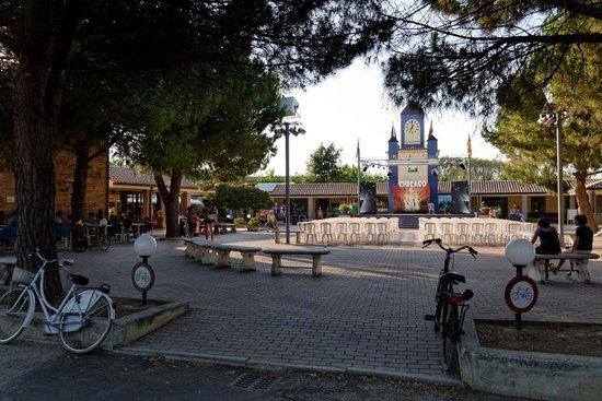 Centro Vacanze La Risacca: La piazzetta